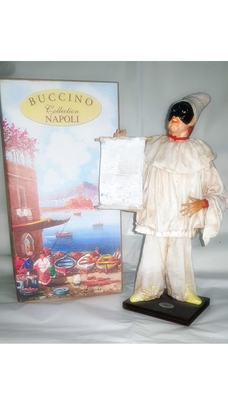 Pulcinella Terracotta Vestito con Pergamena (CM 30)