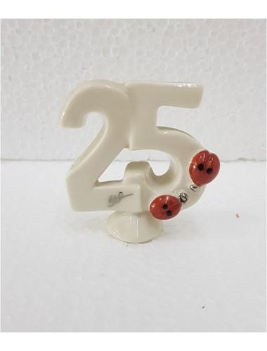 NUMERO  25 IN PORCELLANA DI CAPODIMONTE
